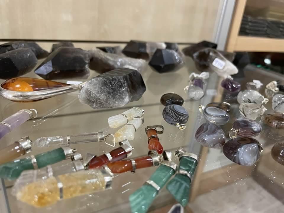 Llibreria l'Estació - Sant Feliu de Guíxols - Minerals